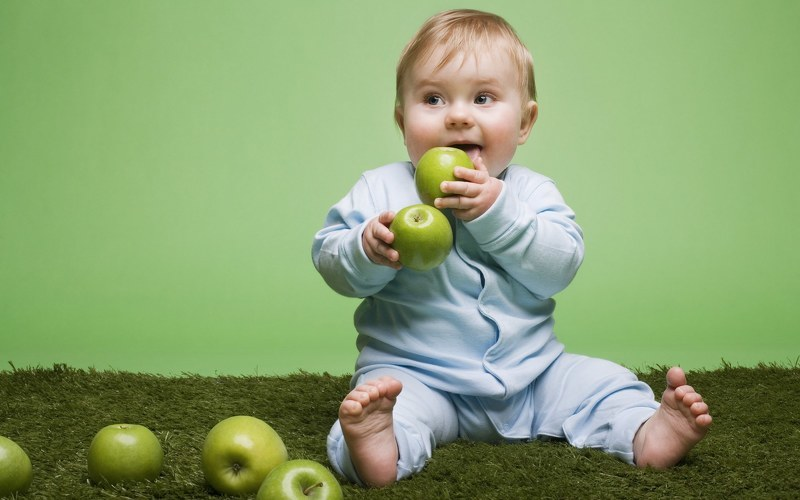 Дети и яблоки 55