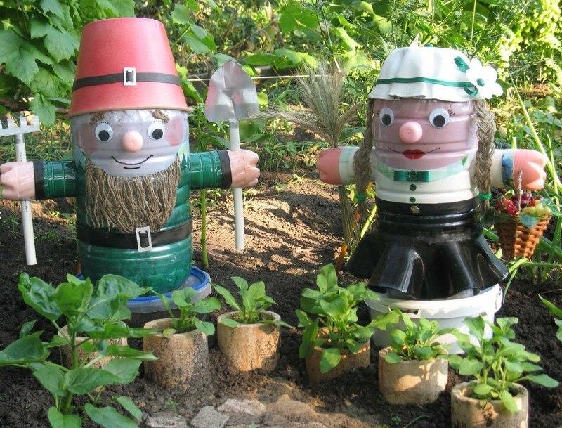 Поделки из пластиковых бутылок своими руками в сад