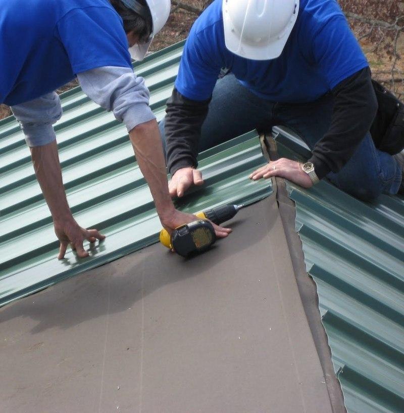Как покрыть крышу бани профлистом своими руками