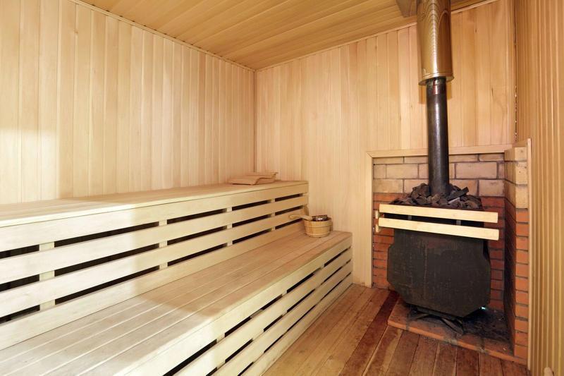 Особенности установки печи в бане с выносной топкой