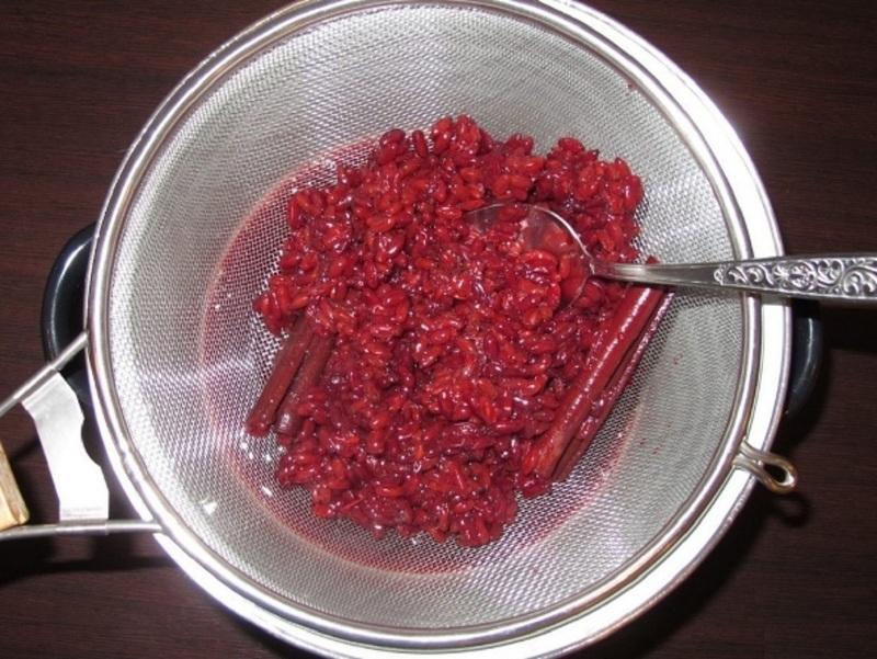 Приготовление соуса из барбариса для приправы к плову