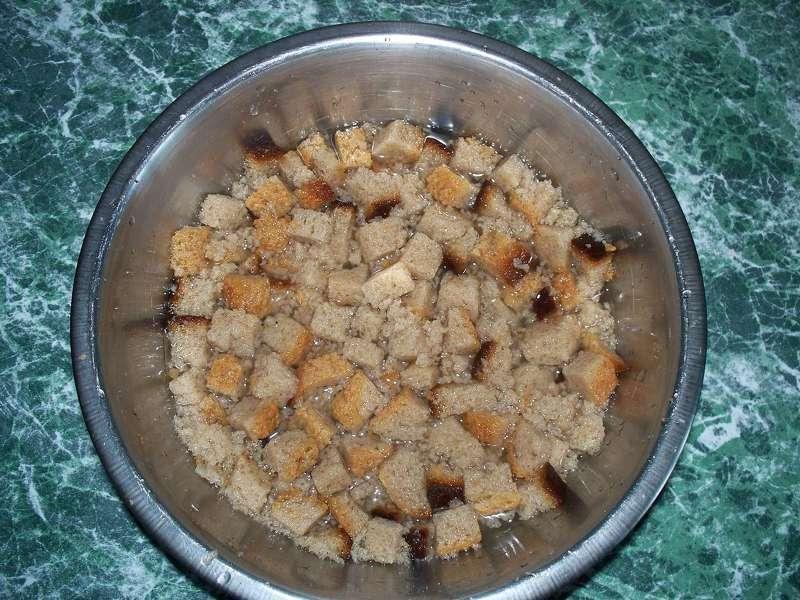 Как сделать подкормку для огурцов из хлеба