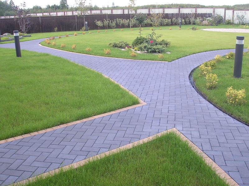 Дорожки в саду из однотипной клинкерной плитки