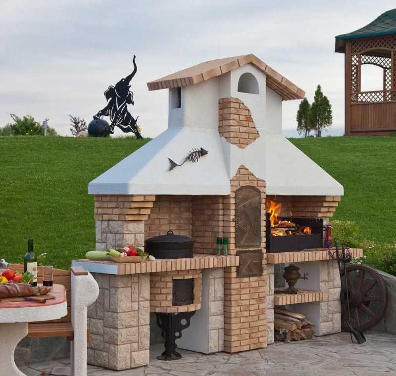 Садовый камин-барбекю - штукатурка и керамогранитная плитка
