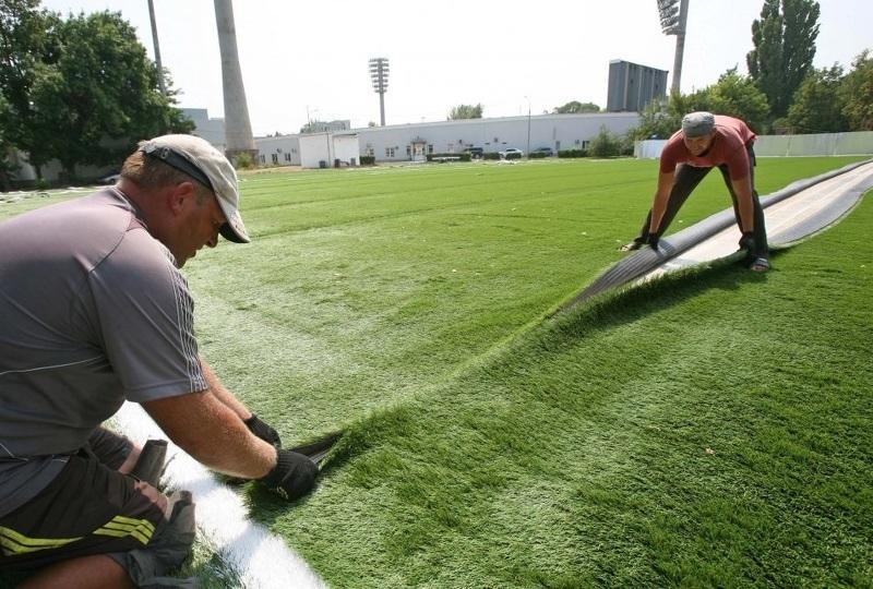 Искусственная трава для газона в рулонах - как стелить