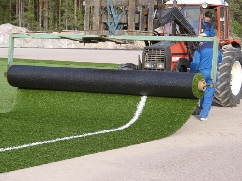 Как стелить искусственный газон