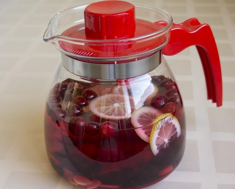 Клюквенный противовоспалительный чай с лимоном