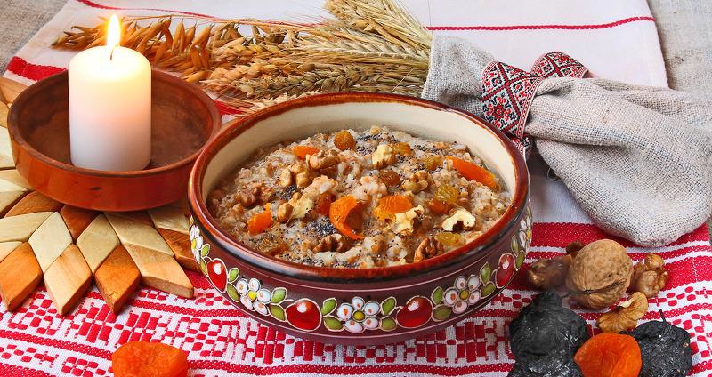 Коляду угощают кутей и постными блюдами