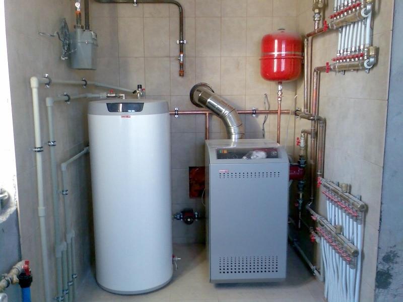 Напольный газовый котел для отпления и подогрева воды в больших объемах