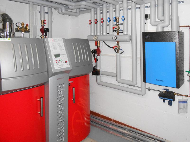 Котел комбинированный ТГЭ: работает на электричестве, твердом и жидком топливе