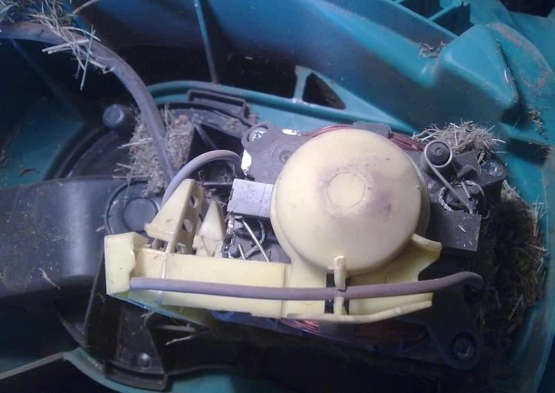 Очистка механической части газонокосилки Bosh