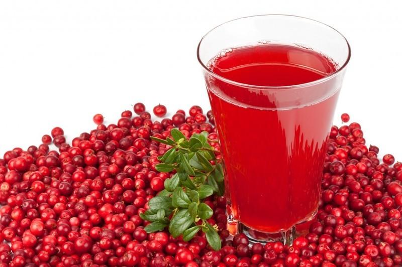Отвар из ягод и листьев клюквы для понижения давления