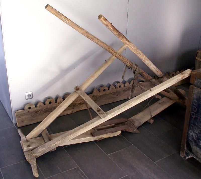 Соха - деревянный инструмент для пахоты
